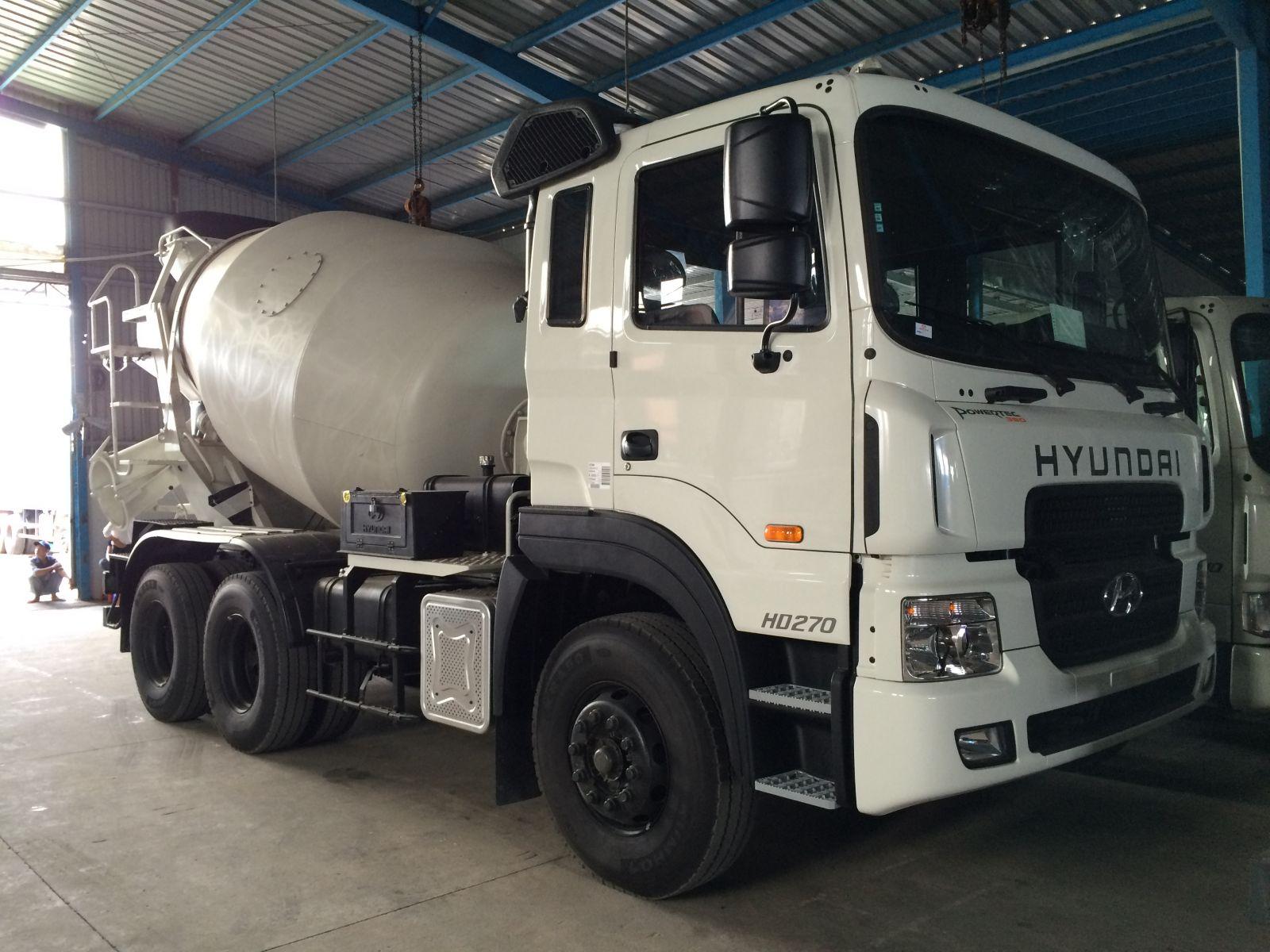 Ngoại thất xe bồn trộn bê tông Hyundai 10 khối