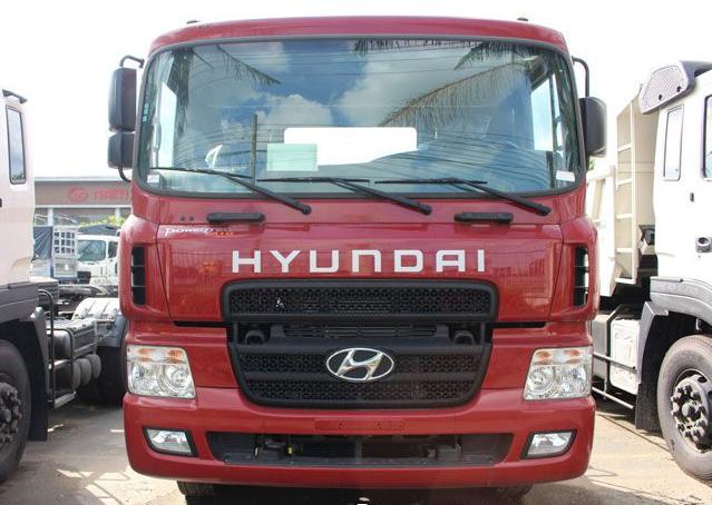 Mặt trước xe đầu kéo Hyundai HD1000